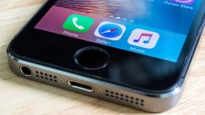 Google faces its first mass legal action in the UK over the iPhone-related claims